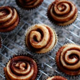 cinnamon-roll-cupcakes