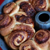cinnamon-roll-monkey-bread