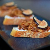 fig-crostini