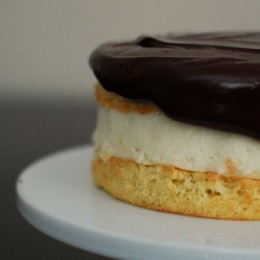 Boston Cream Pie Cheesecake Cake