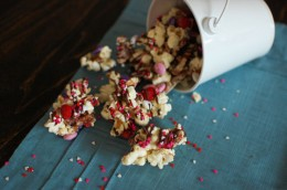 Holiday Popcorn Bark