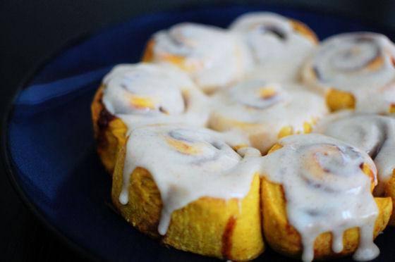 pumpkin-cinnamon-rolls