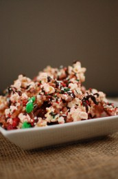 Holiday Peppermint Popcorn Bark