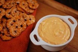 Roasted Garlic And Sriracha Cheese Dip